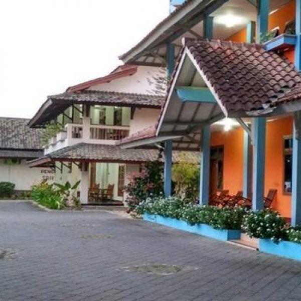 Hotel dan Penginapan Murah di Pacitan - Hotel Srikandi